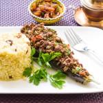 Karniyarik – Gefüllte Auberginen mit Hackfleisch und Bulgur