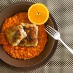 Kabeljaufilet auf rotem Linsen-Orangen-Curry