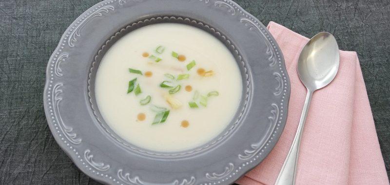Spargelcremesuppe asiatisch mit Kokosmilch, Ingwer und Zitronengras