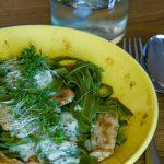 Grüne Bandnudeln mit Hähnchen und Senf-Sahne-Sauce